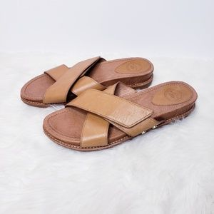 Nurture crossed sandals sz. 8.5